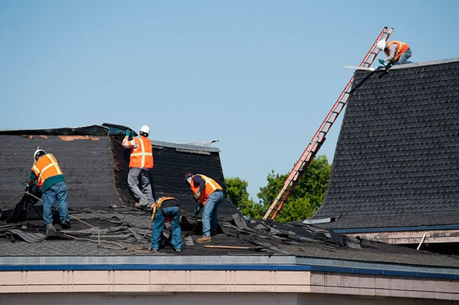 hiring the right commercial roofing contractors for your needs
